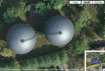 Brüste auf Google Maps