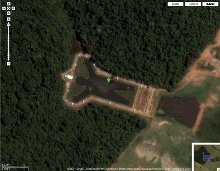 Google Maps zeigt See in Form eines Menschen - Standort ist Brasilien