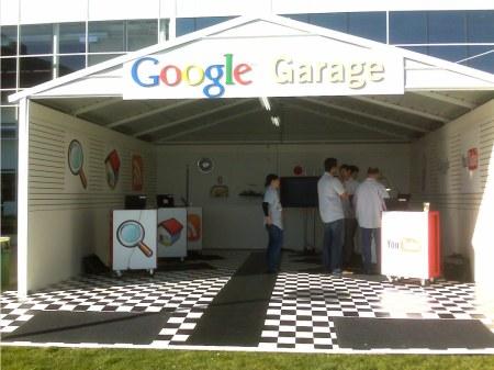 Googleplex mit Abbild der Google Garage