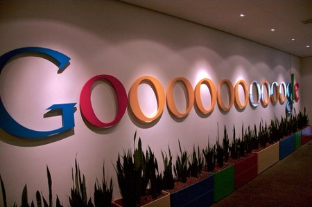 Google Logo im Google Office in Amsterdam