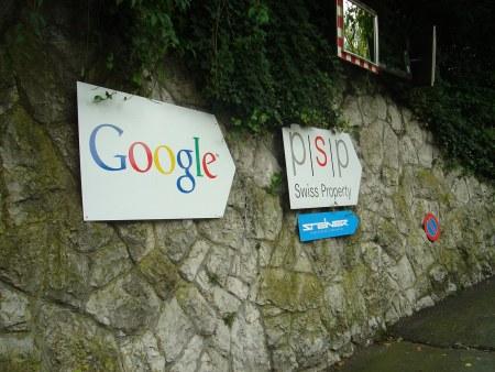 Hinweis Schild zum neuen Google Forschungszentrum