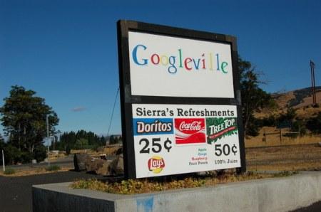 Googleville Schriftzug in der Nähe des Google Datencenters