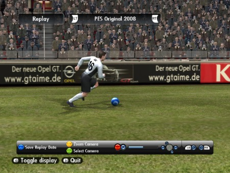 Bandenwerbung von Opel in Pro Evolution Soccer 2008 als In-Game Advertising